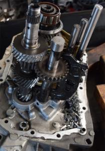 Repareren handgeschakelde versnellingsbak